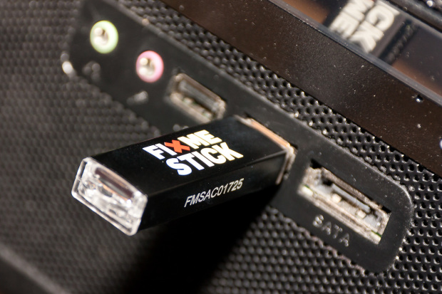 FixMeStick Inserted in USB Port